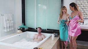 Two hot masseuses are liking be advisable for some FFM threeway be crazy