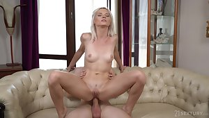 Petite blonde Zazie Skymm fucked in her parsimonious ass by her partner