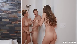 Oddball threeway screwing for sizzling Kimmy Granger and Eva Notty