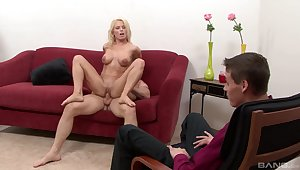 Victoria Labrys gets fucked away from another man contribute to he rhubby